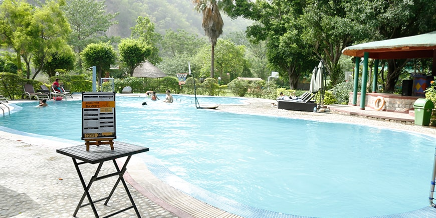 poolside-cafe in Corbett