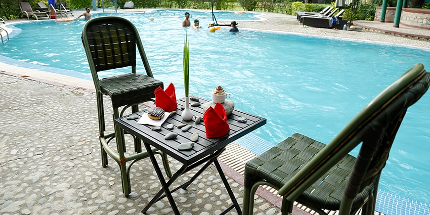 poolside-sitting-at-cafe-pebbles in Corbett
