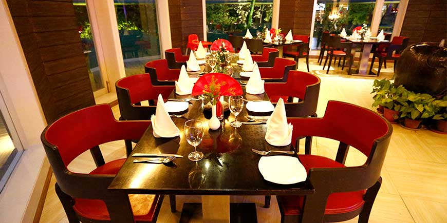 top-pavilion-plaza-christmas dinning in Corbett