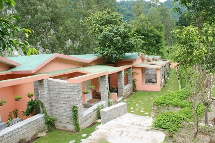 1470313178_resorts-in-corbett.JPG